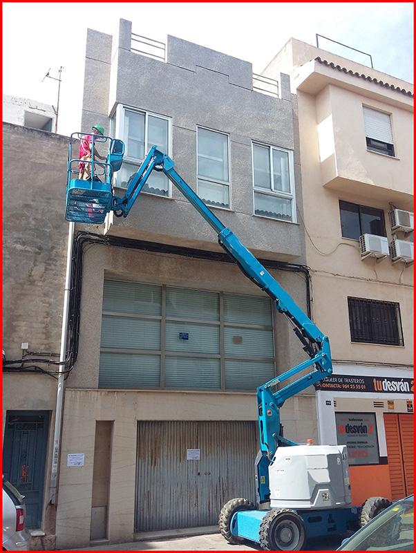 Limpieza de cristales en altura en Castellón